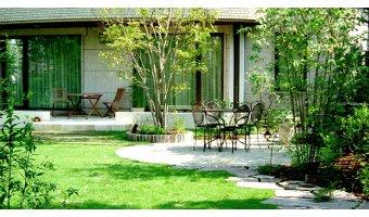 家の外観と調和した素敵な庭をプランニングしよう