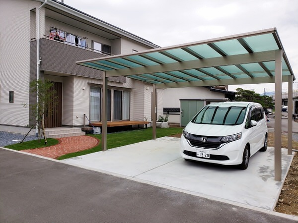 駐車場2台分の外構費用はどれくらい?相場と必要なスペースを徹底解説